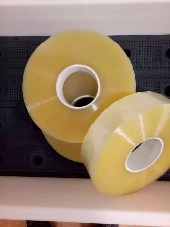 Băng dính cuộn to lõi nhựa 1kg